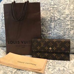 Louis Vuitton wallet monogram print